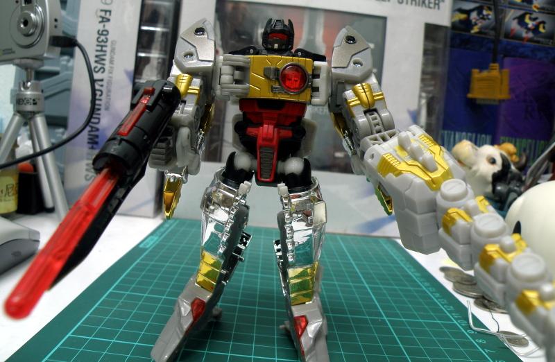 Grimlock robot armed