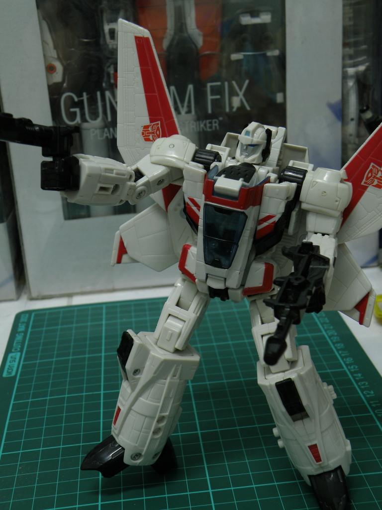 JetFire arm akimbo with blaster