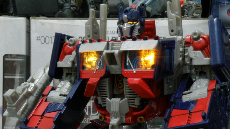 AutoMorph triggered, Optimus Prime head made the finishing step of the transformatioAutoMorph triggered, Optimus Prime head made the finishing step of the transformationn