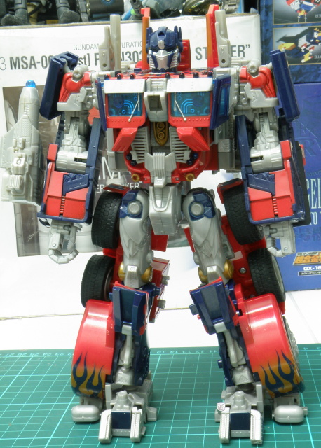 Transformers Movie 2007 Leader Class Optimus Prime front view