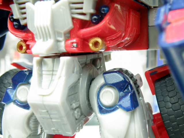 Optimus Prime robot waist detailing