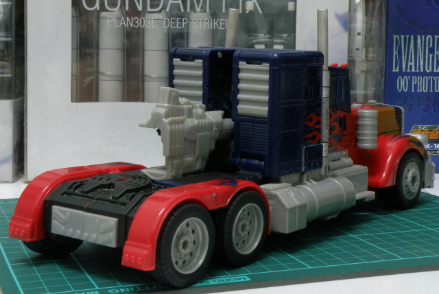 Optimus Prime truck mode back
