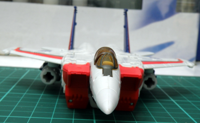 Starscream F16 front