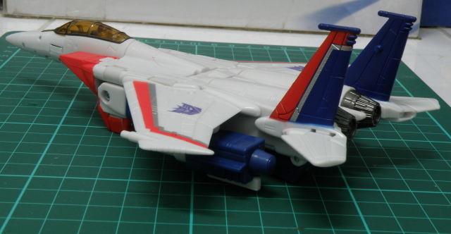 Starscream F16 overall view