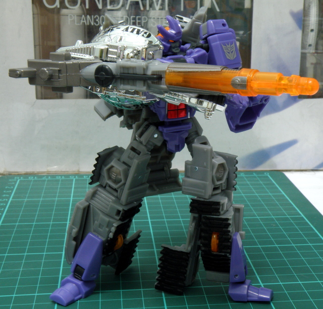 Galvatron duking it.
