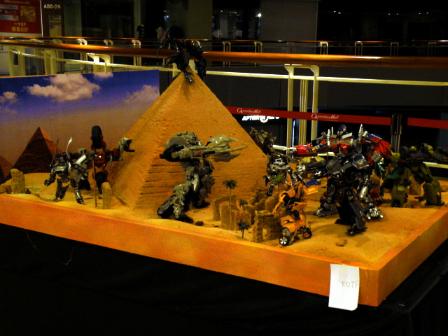 Desert climatical battle diorama of ROTF.