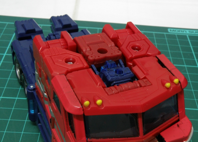 Convoy truck roof detached.
