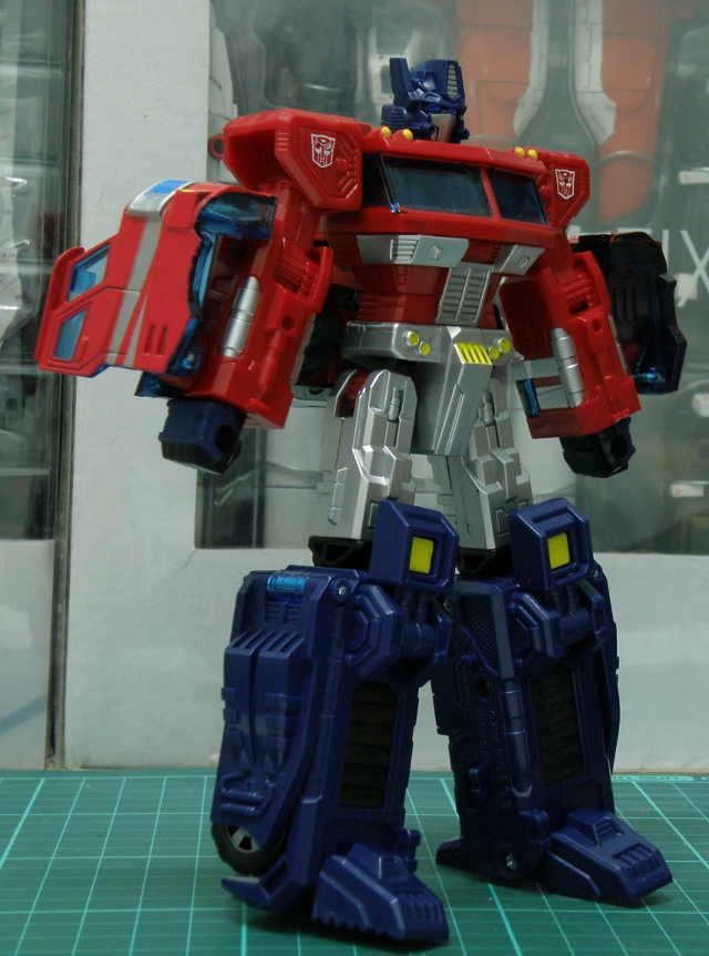 Henkei Convoy Robo.