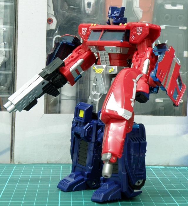 Henkei Convoy Robo dual blasters front.