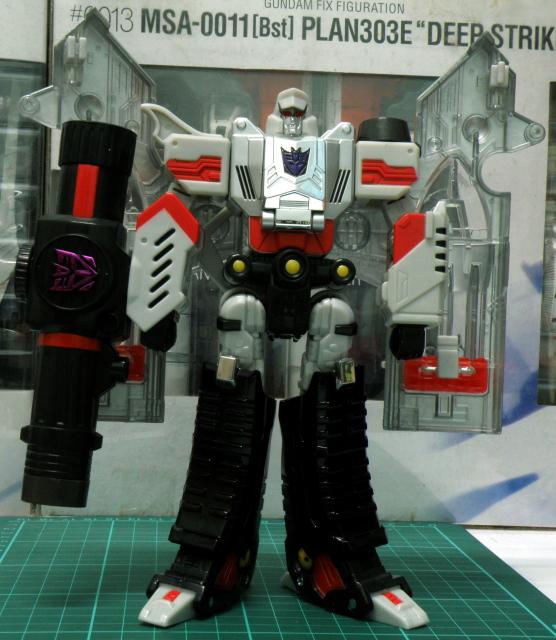 Henkei Megatron Robot front view.