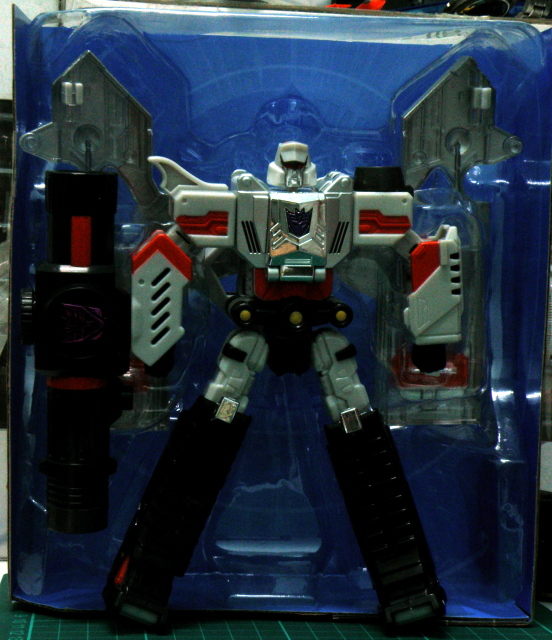 Henkei Megatron package open.