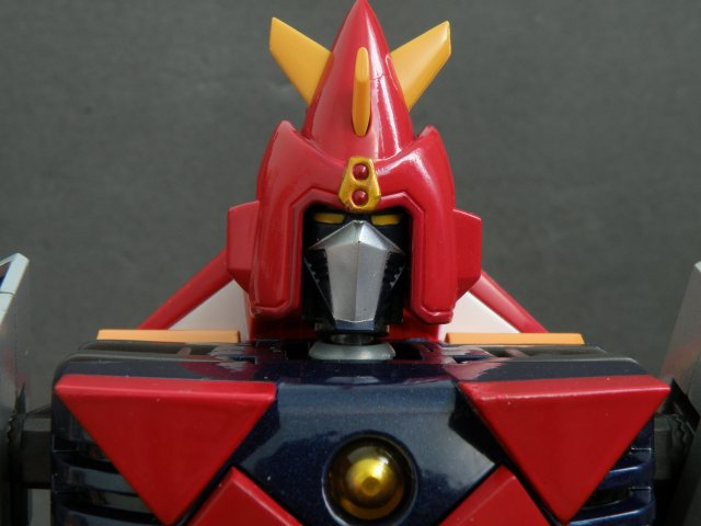 Voltes V head front close up.