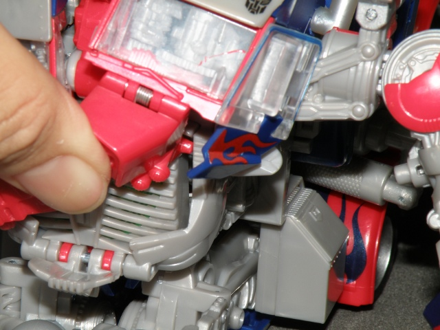 Optimus Prime Body Transformation step 16.