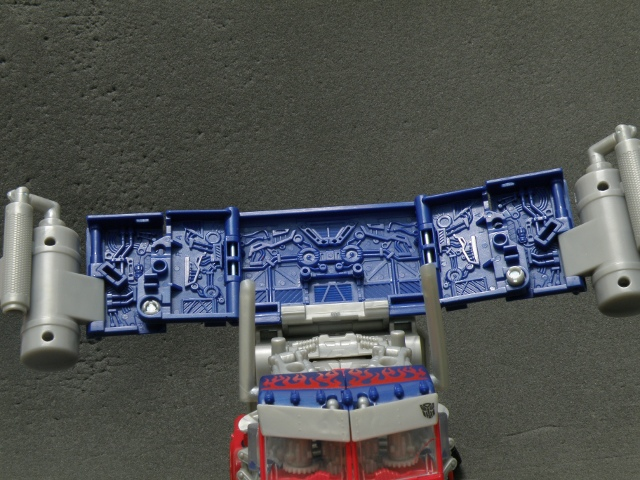Optimus Prime Body Transformation step 5.