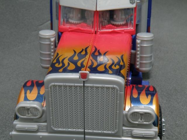 Optimus Prime SemiTruck Front Details.