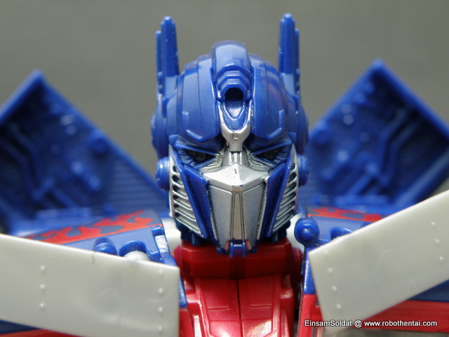 ROTF Optimus Prime Robot Head Front.