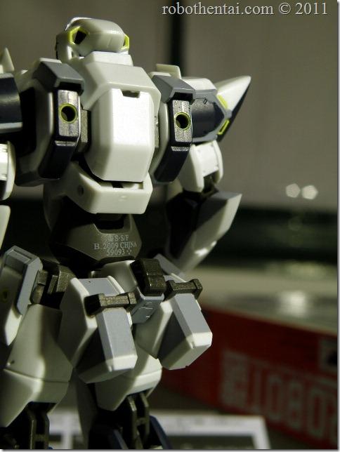 ARX7 Robot Damashii back hardpoint.